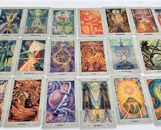 Tarot Consultations/Courses/Workshops online & Palmistry